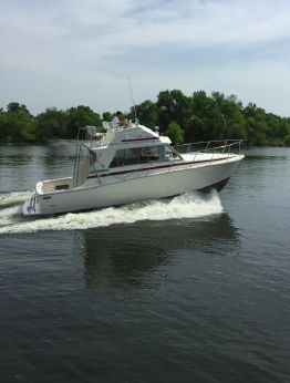 1978 Bertram 33 Flybridge Cruiser