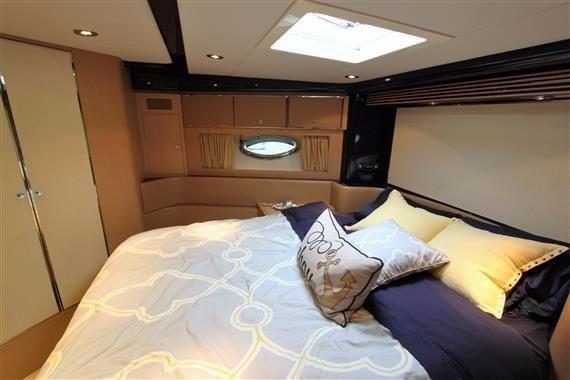 Riva 59 Mercurius Super Yacht Guest Bed