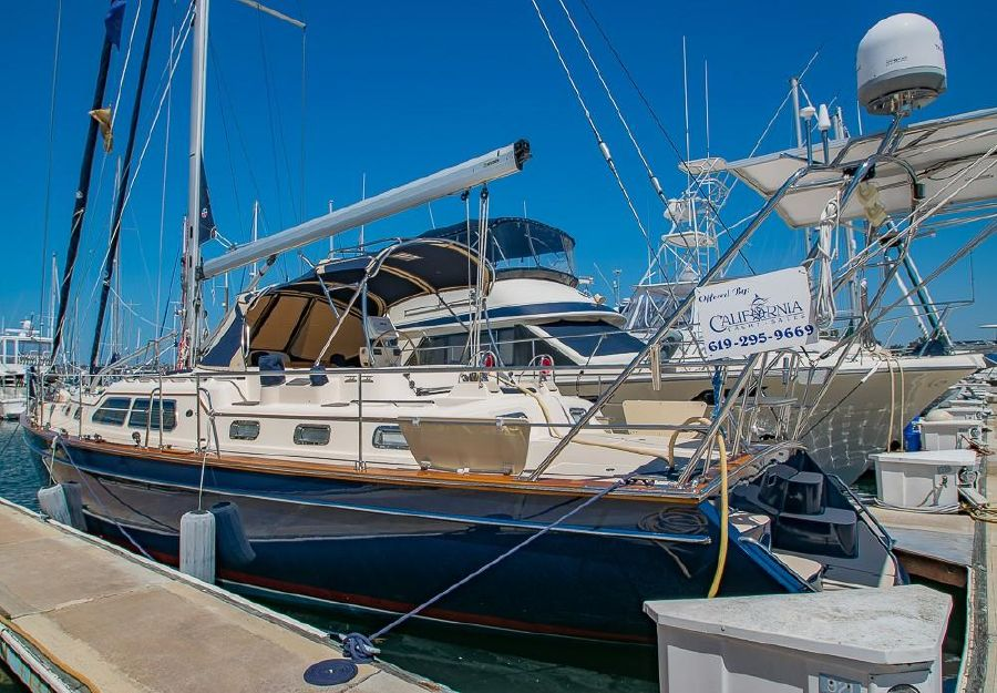 Island Packet 485 Sailboat for sale in San Diego