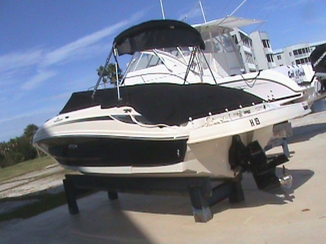 Sea Ray 220 Sundeck >> 2010 Sea Ray 220 Sundeck Power Boat For Sale - www.yachtworld.com