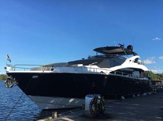 thumbnail photo 2: 2016 Sunseeker 86 Yacht