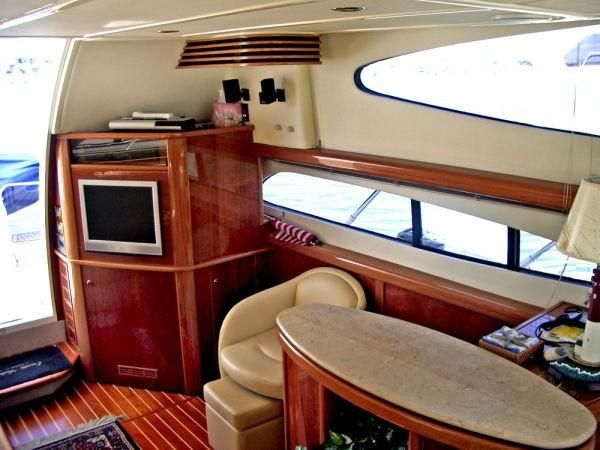 Sealine Yachts T47 Entertainment Center