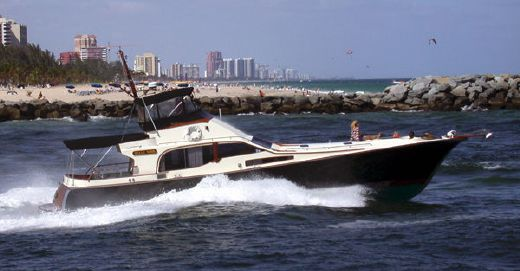 1983 Midnight Lace Nightrider Flybridge
