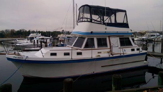 1989 Albin 34 Motor Yacht