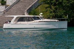 photo of  33' Greenline 33