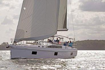 2020 Catalina Flagship 545