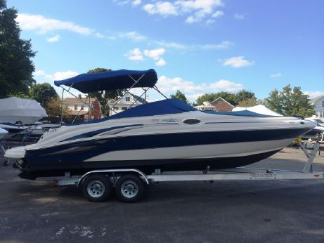 2003 Sea Ray 240 Sundeck with Trailer