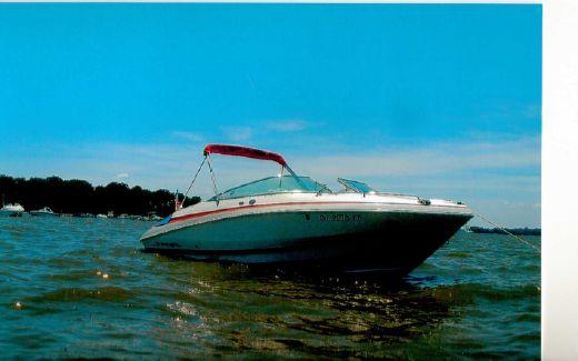 2005 Regal 2250 Cuddy