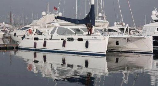 2005 Catana 582