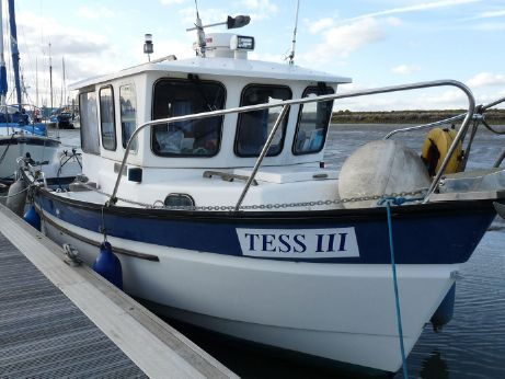 1993 Hardy Fishing 24 Extended wheelhouse