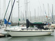 1979 Islander 36