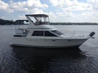 1989 Pearson 38 Motor Yacht