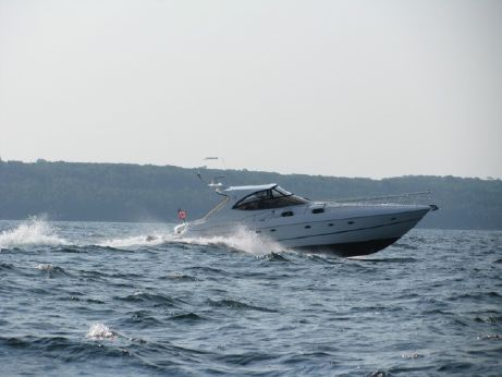 2004 Cruisers Yachts 540EXP