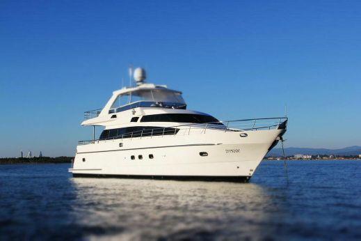 2004 Monte Fino Flybridge Motor Yacht