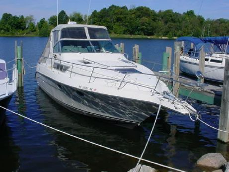 1990 Cruisers Inc. 3210 Sea Devil