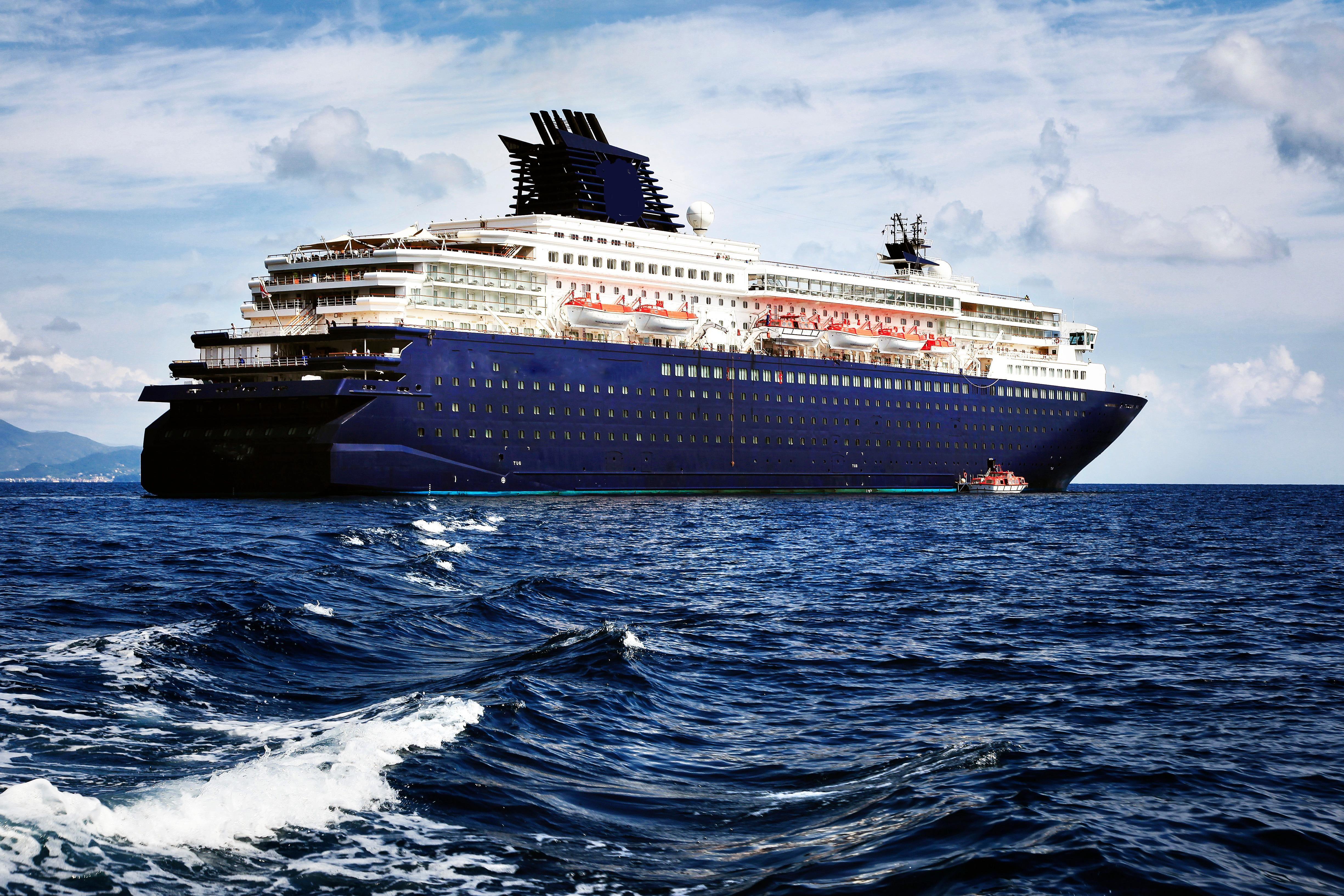 1990 Modern Cruise Ship, 1800 Passengers -Stock No. S2393 ...