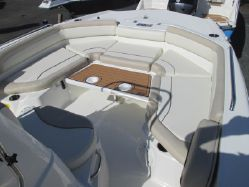 photo of  21' NAUTIC STAR 211 Angler