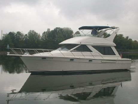 2000 Bayliner 3988 Command Bridge Motoryacht