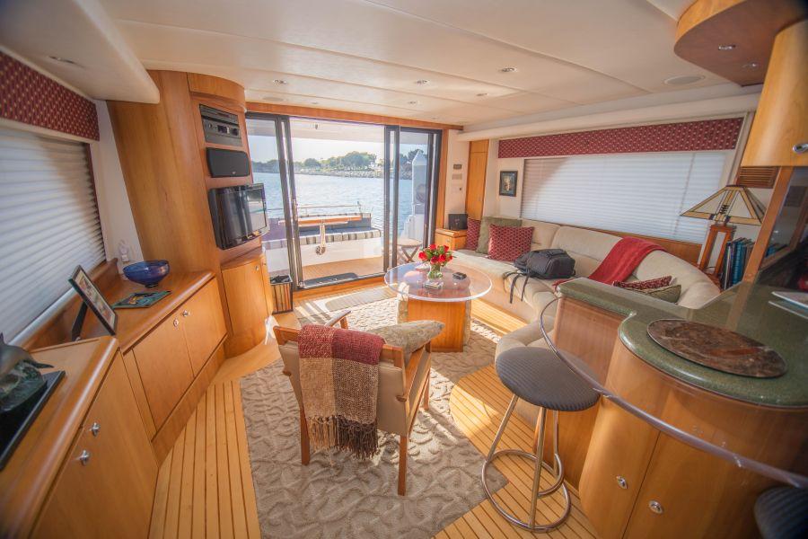 Queenship 59 Admiralty Interior Salon