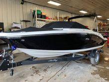 2020 Sea Ray 190SPX