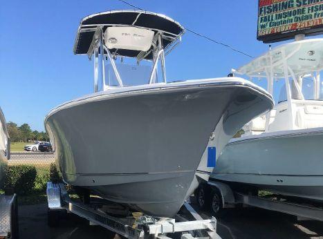 2018 Sea Hunt Triton 225