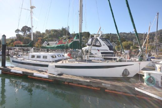 1989 Brewer cutter rigged pilothouse ketch