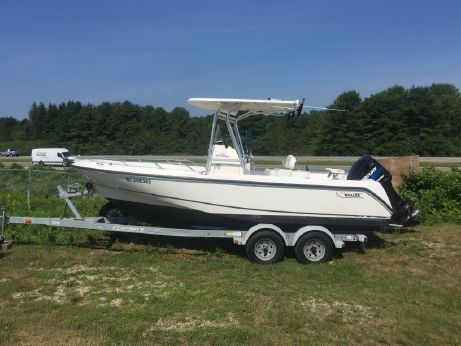 2002 Boston Whaler 210 Outrage