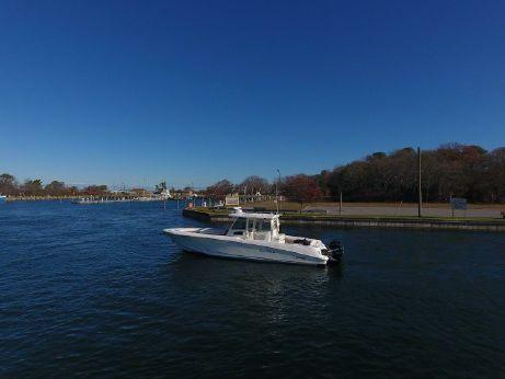 2011 Boston Whaler 370 Outrage