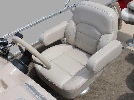 2014 Sylvan Mirage Cruise 820 CR