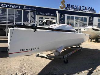 2019 Beneteau First 18