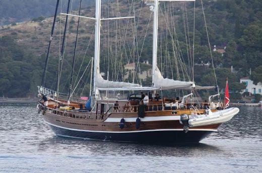 2011 Yener Gulet