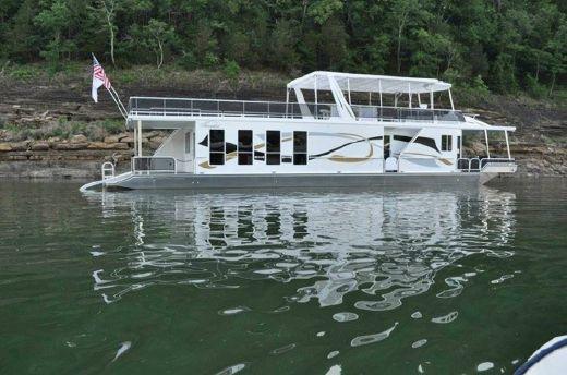 2010 Thoroughbred 17x75 Houseboat