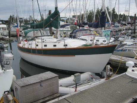 1994 Cape Marine/randle Yachts Coast 34 Cutter