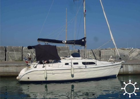 2002 Hunter Marine Hunter 306
