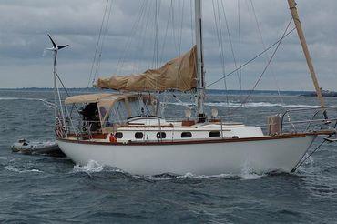 1983 Cape Dory 36