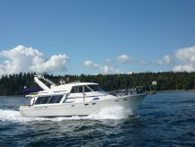 1988 Bayliner Pilothouse Motoryacht With Bow & Stern Thrusters