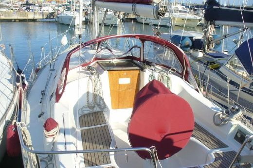 2001 Oceanis 331 Clipper