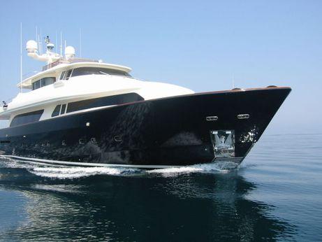 2006 Ferretti Yachts Custom Line Navetta 30