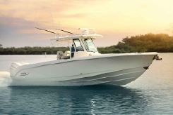 2019 Boston Whaler 330 Outrage