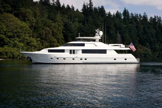 2015 Westport Raised Pilothouse Motoryacht