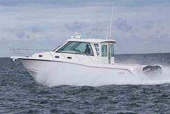 2019 Boston Whaler 345 Conquest Pilothouse