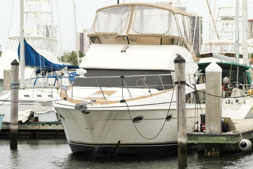 2006 Carver Yachts 42 SS