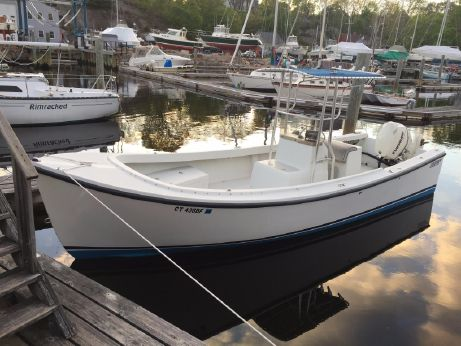 2009 Eastern 248 Eastern Center Console