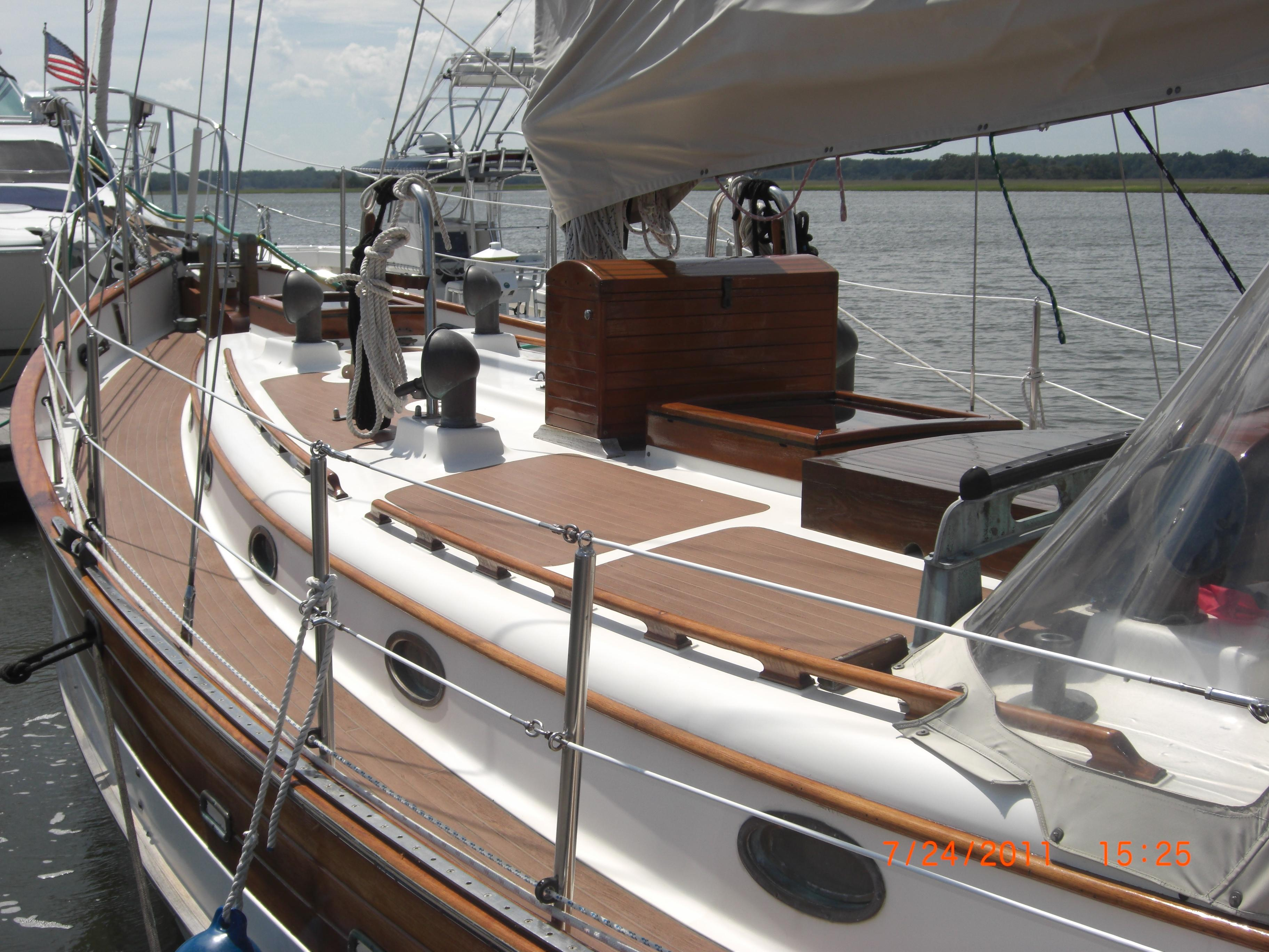 4761049_20140714122930856_1_XLARGE&w=3648&h=2736&t=1405370186000 1985 hans christian 38t sail boat for sale www yachtworld com Simple Boat Wiring Diagram at n-0.co