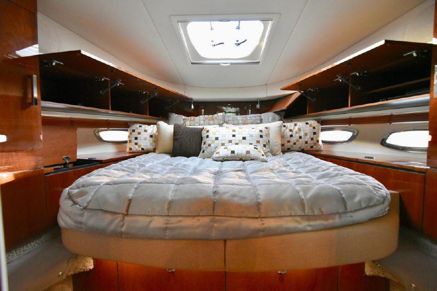 2011 Sea Ray 470 Sundancer yacht for sale