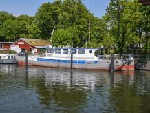 1907 Dutch Barge 22m with London mooring