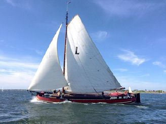 1888 Living Recreation Barge Sailing barge