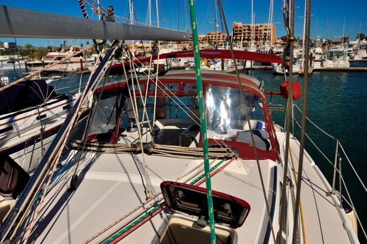 35' Catalina 350+Photo 49