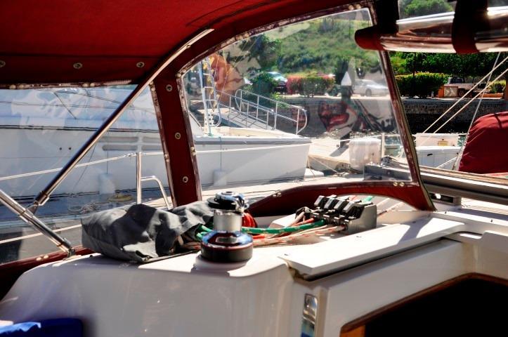 35' Catalina 350+Photo 43