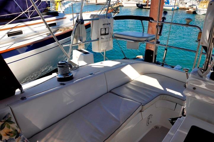 35' Catalina 350+Photo 46